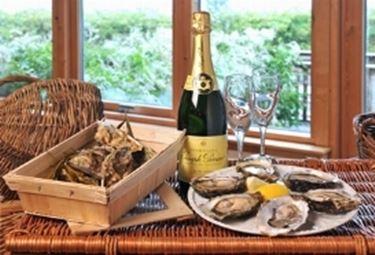 ostriche e champagne