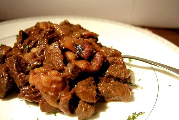 Amato Carne al vino rosso - Vino rosso in cucina - Cucinare la carne con  ZY84