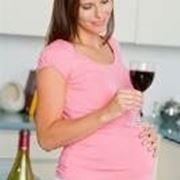 un bicchiere di rosso a settimana durante la gravidanza