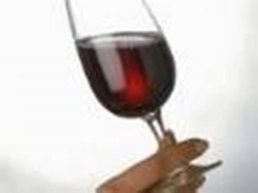 Il vino rosso aiuta a combattere molte patologie