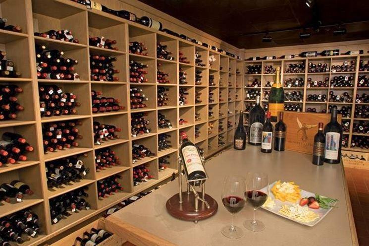 La cantina di una delle piu grandi collezioni private di vino in Florida con piu di 500000 bottiglie