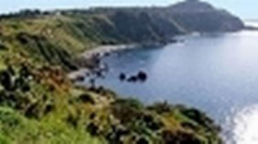 La costa della Sicilia nord orientale