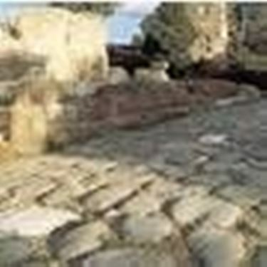 Un antica strada romana per il commercio del vino