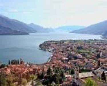 Una vista del lago